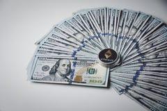 Ethereum på högen av US dollarräkningar Royaltyfria Foton