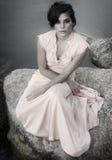Etherische mooie jonge vrouw stock foto's