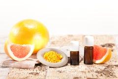 Etherische oliën van vruchten stock fotografie