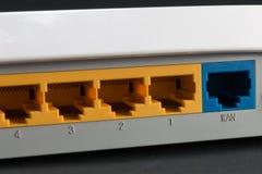 Ethernet-Anschluss auf der Rückseite des Routers Lizenzfreie Stockfotografie