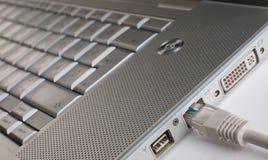 etherneta związany laptop Fotografia Stock