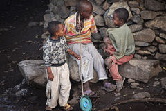 Ethiopië: Troep van jonge jongens Stock Afbeeldingen