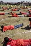 ethiopian övningar som perfoming ungdommen Arkivbilder