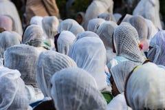 Ethiopische vrouwen die in kerk in Addis Ababa Ethiopia bidden royalty-vrije stock foto