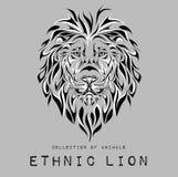 Ethnischer schwarzer Kopf des Löwes auf Grau Totem-/Tätowierungsdesign Gebrauch für Druck, Poster, T-Shirts Auch im corel abgehob Stockfotos