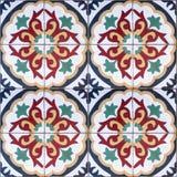 Ethnisches dekoratives nahtloses Muster von bunten Fliesen mit Verzierungen Stockbild