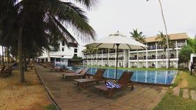 Ethukala海滩由水池的旅馆图片 库存图片