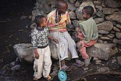 Etiópia: Grupo de meninos novos Imagens de Stock