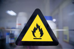 Etichetta chimica infiammabile Fotografia Stock Libera da Diritti