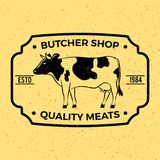 Etichetta d'annata/distintivo di macelleria con la mucca Immagine Stock