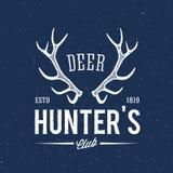 Etichetta d'annata o logo dell'estratto del club dei cacciatori dei cervi Fotografia Stock Libera da Diritti