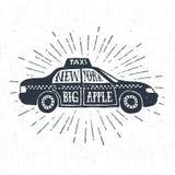 Etichetta d'annata strutturata disegnata a mano con l'illustrazione di vettore del taxi Fotografia Stock Libera da Diritti