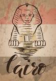 Etichetta di Il Cairo con la Sfinge disegnata a mano, segnando Il Cairo e bandiera con lettere egiziana Immagine Stock