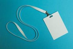 Etichetta di nome con fondo blu fotografie stock