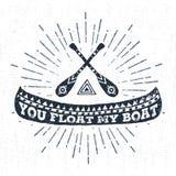 Etichetta disegnata a mano con l'illustrazione e l'iscrizione di vettore della canoa Fotografia Stock Libera da Diritti