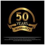 Etichetta dorata della garanzia da quindici anni su fondo nero - vettore illustrazione di stock