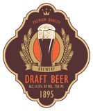 Etichetta per la birra alla spina con vetro e la stemma royalty illustrazione gratis