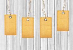 Etichette di Brown su di legno Fotografie Stock