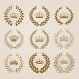 Etichette di lusso dell'oro con la corona dell'alloro Fotografia Stock