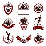 Etichette ed icone di pallacanestro messe Vettore Fotografia Stock Libera da Diritti