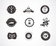 Etichette, elementi e distintivi di cucito dell'annata royalty illustrazione gratis