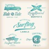 Etichette praticanti il surfing di retro stile dell'acquerello di vettore Fotografia Stock Libera da Diritti