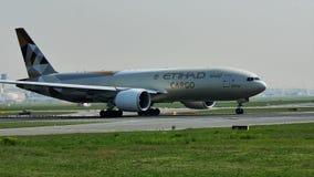 Etihad ładunku samolot bierze daleko od Frankfurt lotniska, FRA