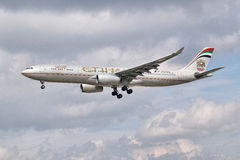 Etihad Airways Airbus A330-343 Lizenzfreie Stockbilder