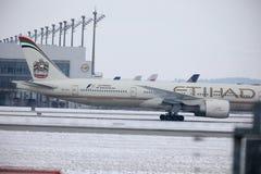 Etihad Airways Boeing 777-300 A6-ETL, vue de plan rapproché Image stock