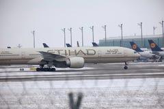 Etihad Airways Boeing 777-300 A6-ETL, vue de plan rapproché Photo libre de droits