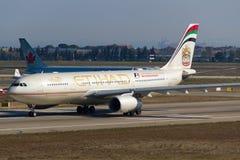 Etihad Airways flygbuss A330 Arkivbild