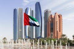 Etihad ragt Abu Dhabi hoch Lizenzfreies Stockbild