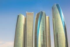 Etihad ragt Abu Dhabi hoch Stockbild