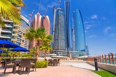 Etihad ragt Gebäude in Abu Dhabi, UAE hoch Stockbild