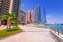 Etihad ragt Gebäude in Abu Dhabi, UAE hoch Stockfoto