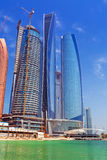 Etihad står högt byggnader i Abu Dhabi, UAE Arkivfoton