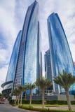 Etihad står högt byggnader i Abu Dhabi, UAE Royaltyfri Bild