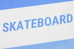 Etiket voor skateboard - een sportenequiment stock foto's