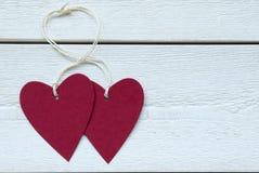 Etikett för två hjärtor med kopieringsutrymme Arkivfoton