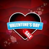 Etiketten eller klistermärken för försäljning för form för valentindaghjärta på abstrakt röd bakgrund med suddighet tänder Vektor Arkivbilder