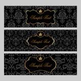 Etiketten met gouden elementen op damastachtergrond Royalty-vrije Stock Afbeeldingen
