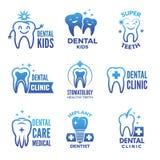Etiketter och logouppsättning av det tand- temat och illustrationer av sunda tänder stock illustrationer