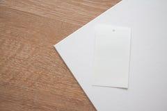 Etiketter på texturized bakgrund för sepia kork Arkivfoton