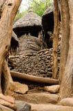 Etiopisk by i den Omo dalen Royaltyfri Fotografi