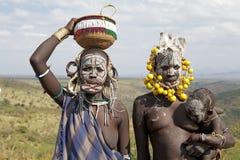 Mulheres de Mursi e criança, Etiópia Fotografia de Stock Royalty Free