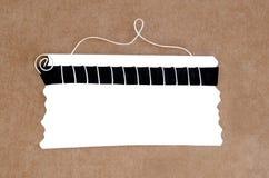 Etiqueta blanca en blanco ilustración del vector