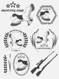 Etiqueta con un pato, armas del vintage para el club de caza afortunado Vector Imagenes de archivo
