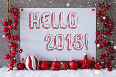 Etiqueta, copos de nieve, bolas de la Navidad, texto hola 2018 Fotografía de archivo libre de regalías