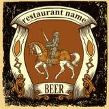 Etiqueta da cerveja para o restaurante da cervejaria com cavaleiro Foto de Stock Royalty Free