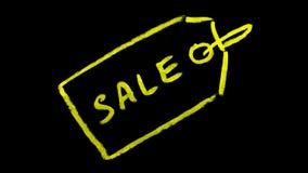 Etiqueta da venda escrita no quadro-negro fotografia de stock